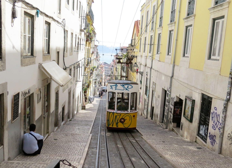 Arriving in Lisbon & eating camarao – Lisbon Day 1 & 2